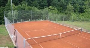 Teniski teren u Lušnici